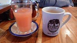 Grapefruit juice and coffee