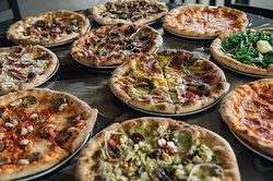 Railroad Pub & Pizza