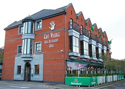 The East Village Bar, Restaurant & Hotel