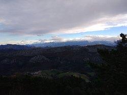 Buen lugar para ver las alturas de Asturias, sitio con muchas rutas de senderismo, fauna, vegetación, vistas preciosas...digno de visitarlo