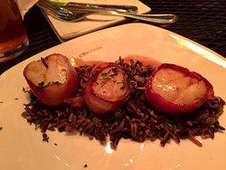 Small plate: scallops & wild rice