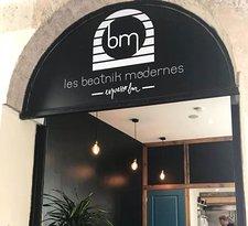 Les Beatnik Modernes coffee shop