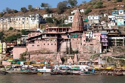 Omkareshwar, Ville sainte dédiée à Shiva