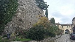 Borgo di Montebello