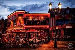Le Golden Pub