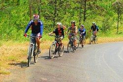 Cyclling from Dalat to MuiNe by Highlandsporttravel(http://highlandsporttravel.com)