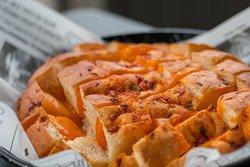 Tomatenplukbrood met Cheddar