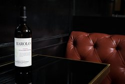 Barolo 2013 DOCG! Red wine with an intense bouquet of flowers!