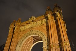 Arc de Triomf @ night