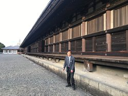 Tetsuo caught off guard at sanjusangendo temple (very interesting place!) - longest wooden structure in Japan?