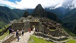 Machu Picchu, considerado una de las maravillas del mundo, una bonita excursión junto a la familia, es mas que perfecta.