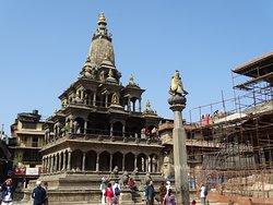 クリシュナ寺院 (チャム デワル)