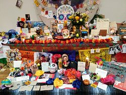 Remembering loved ones during the Dia de los Muertos event