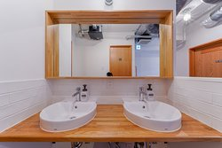 2F,3F共用トイレ/Shared toilet