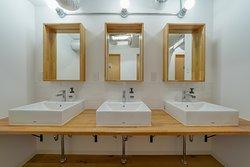 2F女性共用シャワー+ランドリー/Shared bathroom&laundry for women