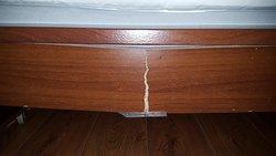 Кровать в средней комнате в апартаментах за 9000