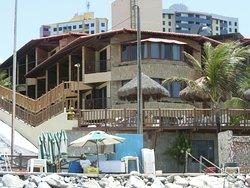 desde la playa hacia las habitaciones exteriores laterales