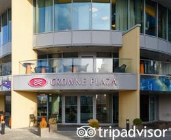 Entrance at the Crowne Plaza London - Battersea