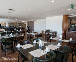 Restaurant at the Crowne Plaza Tel Aviv Beach