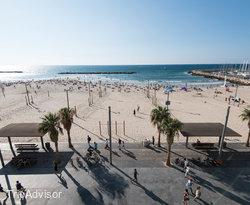 Patio at the Crowne Plaza Tel Aviv Beach