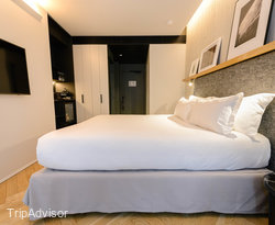 The La Chambre Signature With Balcony at the Hotel National Des Arts et Metiers