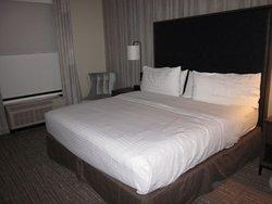 Bedroom layout of room # 318.