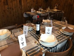 Comedor donde se realizan los escapes room con comidas o cenas temáticas.