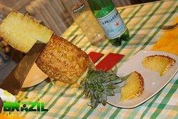Ananas con cannella e zucchero di canna