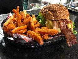 Little Vegas Burger & Bar