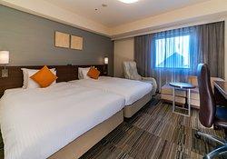 デラックスツインルーム 26.5平米。 ベッド幅122cm×2台。