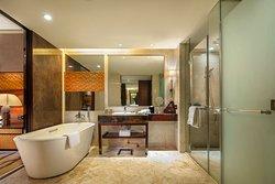 supreme-king-bathroom