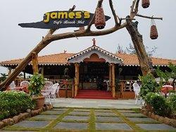 James's Cafe Beach Hut