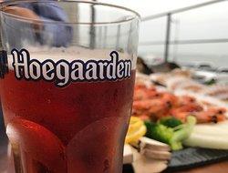 바다보면서 마시는 맥주 한잔