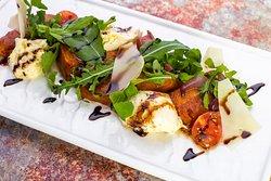 Салат с тыквой и моцареллой