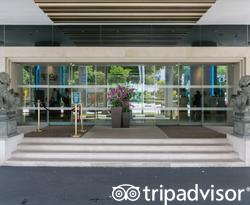 Entrance at the Four Points by Sheraton Singapore, Riverview