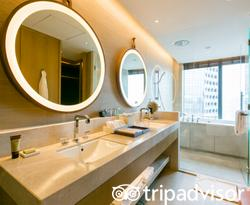 The Andaz Suite King at the Andaz Singapore - a concept by Hyatt