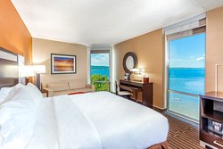 West Bay Beach, Holiday Inn Resort Guestroom