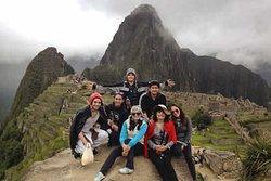 Aquí con los alumnos y padres de familia de una promoción que nos visitan desde Lima.