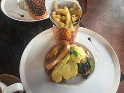 Eggs Bennedict with chips.