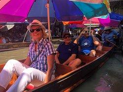 Floating market. Boat tour.