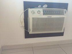 ar condicionado antigo, não funciona refrigeração e é barulhento