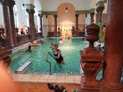 otra piscina mas