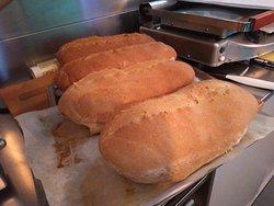 Il tutto accompagnato ogni giorno con dell'ottimo pane fresco fatto da noi