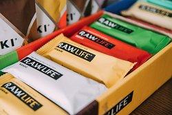 Кроме вкусных тортов от нашего кондитера предлагаем вам также замечательные батончики R.A.W.