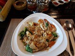 Thai Nudeln mit Seafood