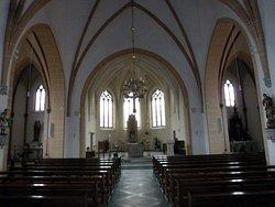 Das ist in der Kirche, St. Vitus zu sehen.