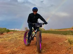 Big-wheeling around the mesa of Page, AZ, and a double rainbow behind :^o