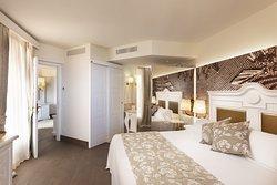 Deluxe Suite | Bedroom