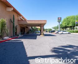 Entrance at the Red Lion Inn & Suites Tucson North Foothills