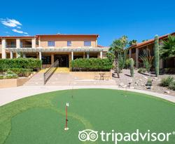 Putting Green at the Red Lion Inn & Suites Tucson North Foothills